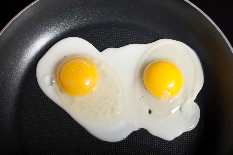 Picture of eggs being fried